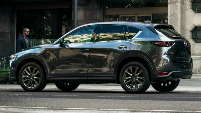 2019-Mazda-CX-5-Signature-03-EXT