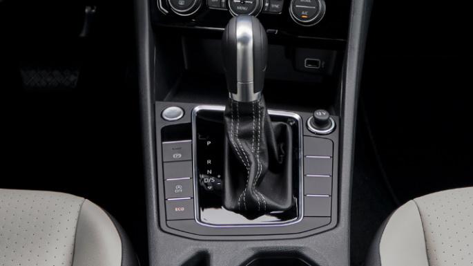 2020-volkswagen-jetta-image-14