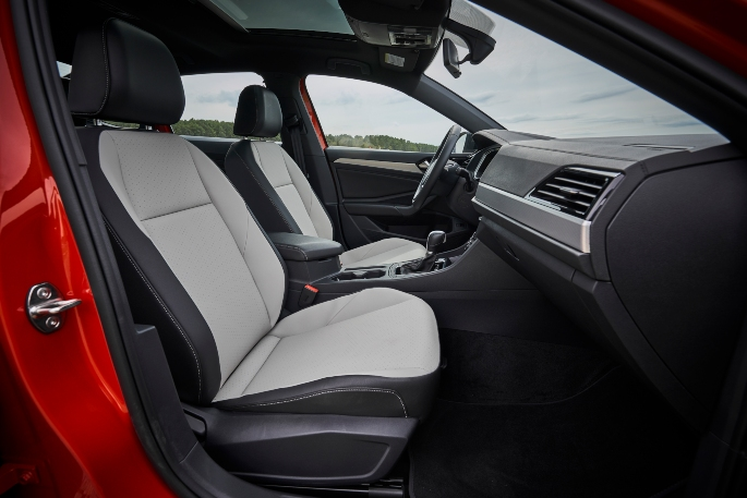 2019-vw-jetta-interior-3