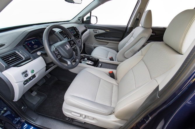 2019-honda-pilot-interior-1
