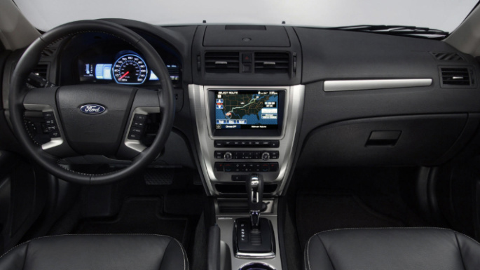 2010-ford-fusion-int