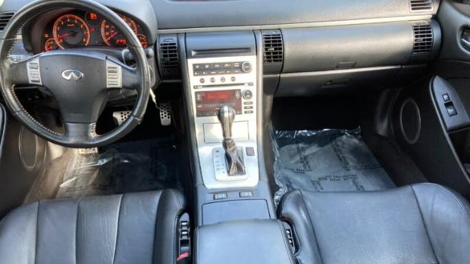2005-infiniti-g35-coupe-int