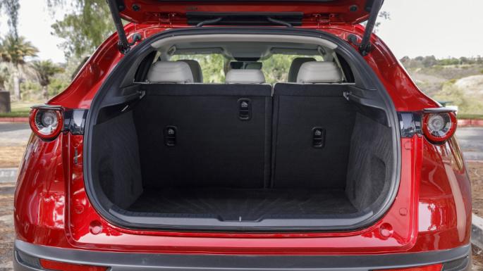 2020-mazda-cx30-trunk-image