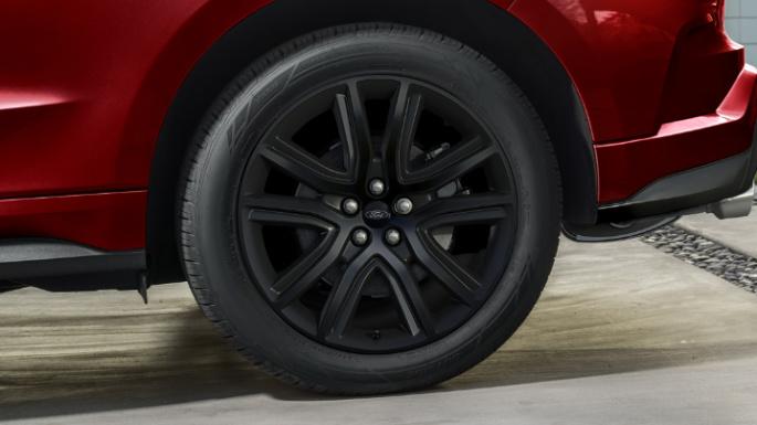 2020-ford-edge-image-16