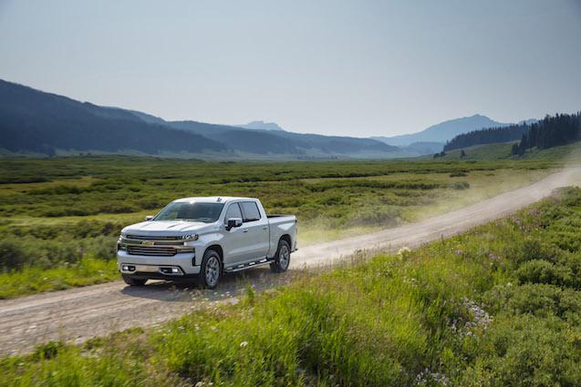 2019-Chevrolet-Silverado-HighCountry-045 (1)