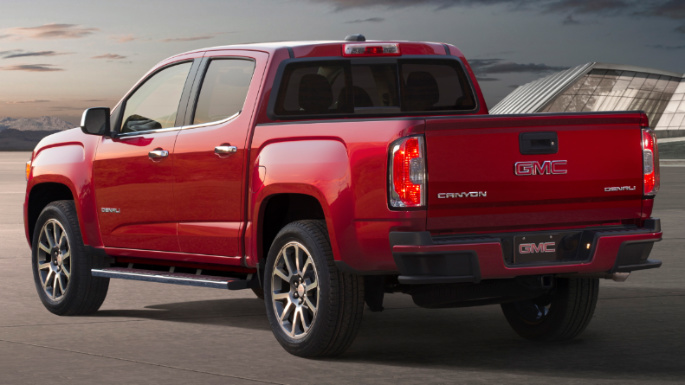 2019-gmc-canyon-rear