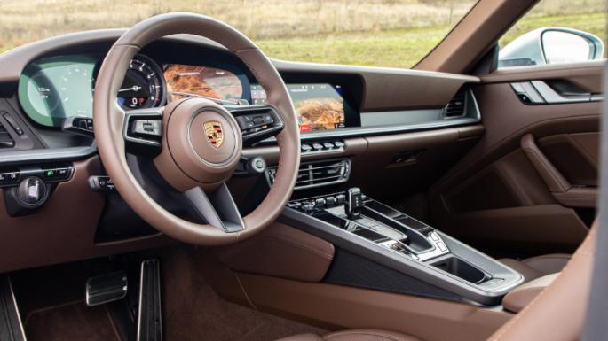 2020-porsche-911-dashboard-image