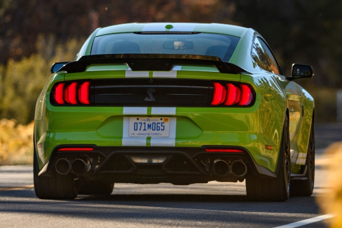 2020-ford-mustang-gt500-image-14
