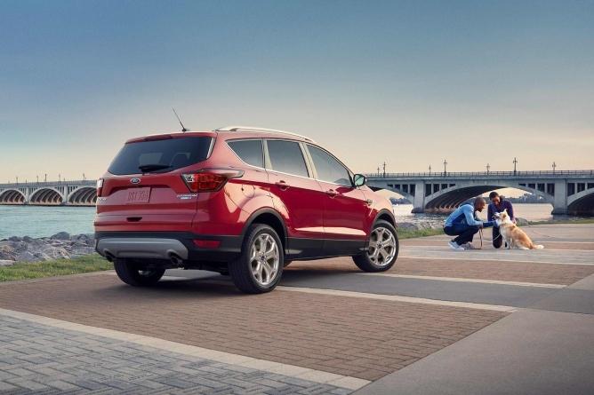 2019-ford-escape-exterior-2