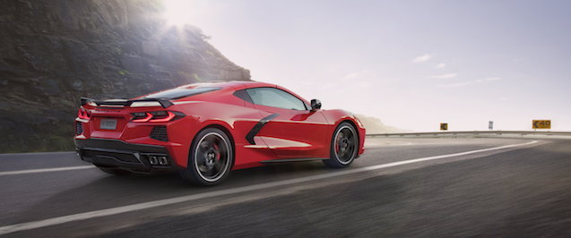 2020-Chevrolet-Corvette-Stingray-002