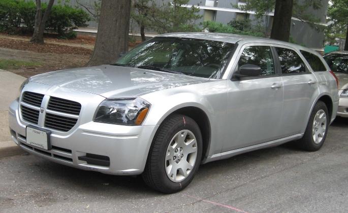 2005-dodge-magnum