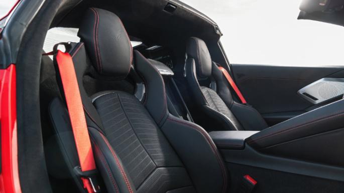 2020-chevrolet-corvette-seats-image