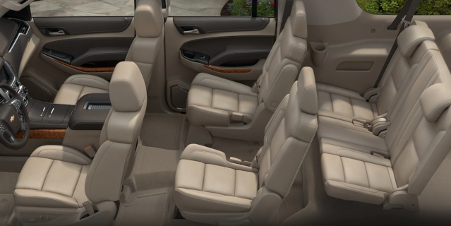 2019-chevy-suburban-interior2