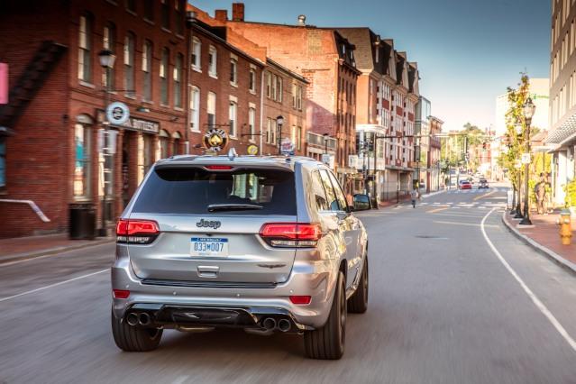 2019-jeep-grand-cherokee-exterior2