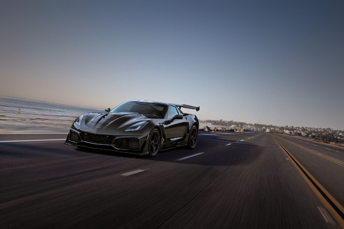 2019-Chevrolet-Corvette-ZR1-011