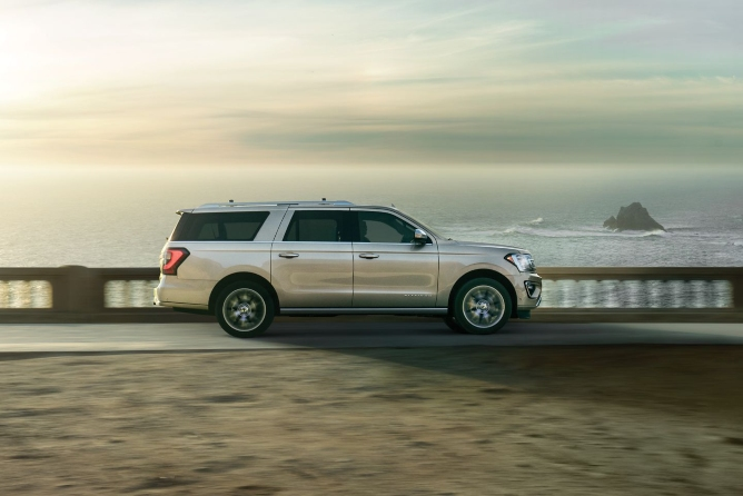 2019-ford-expedition-exterior-3