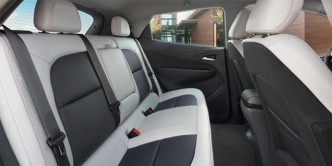 2019-chevy-bolt-ev-interior-2