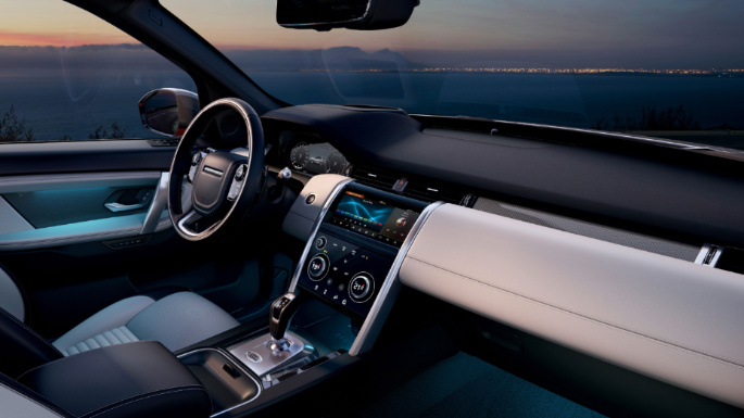 2020-land-rover-discovery-sport-safety-image