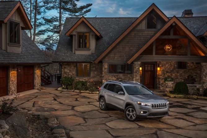 2019-jeep-cherokee-image-3