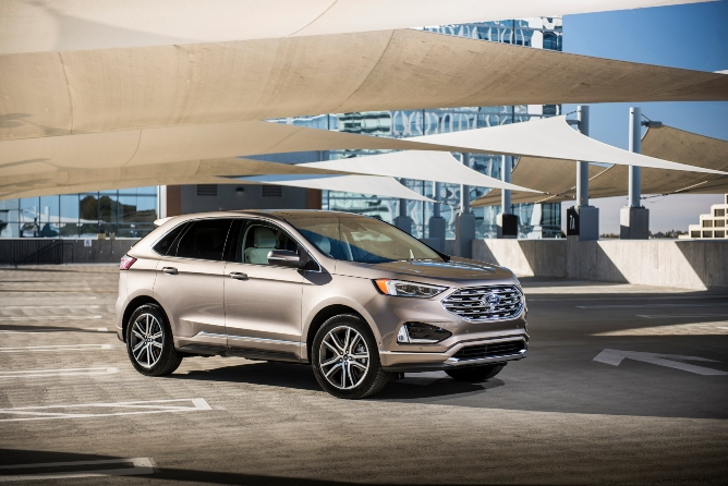 2019-ford-edge-exterior-1