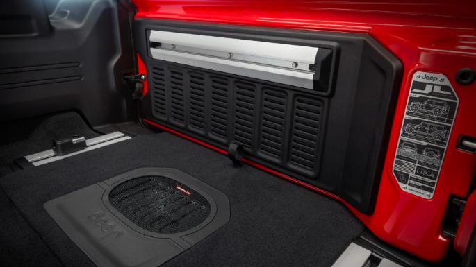 2020-jeep-wrangler-practicality-image