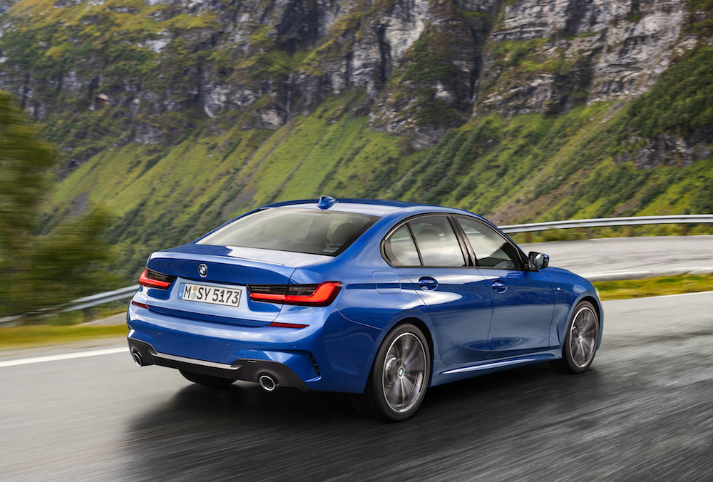 P90323672 highRes the-all-new-bmw-3-se (1)