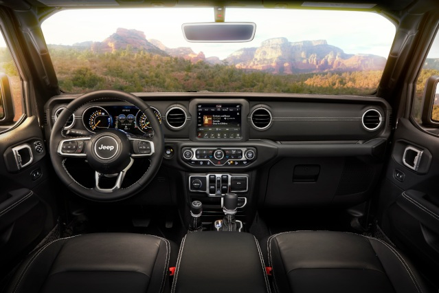 2019-jeep-wrangler-interior1