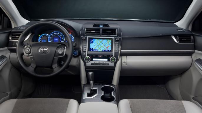 2012-toyota-camry-hybrid-int