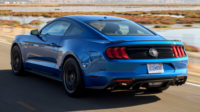 2020-ford-mustang-rear-image