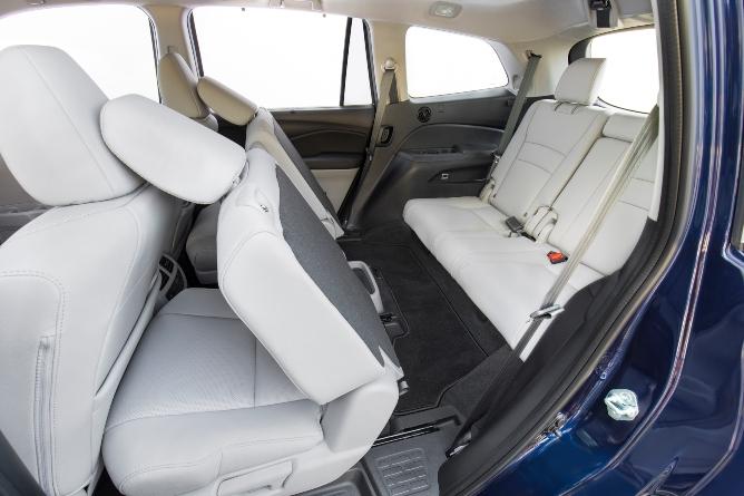 2019-honda-pilot-interior-2