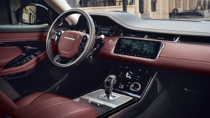 2020-range-rover-evoque-dashboard-image