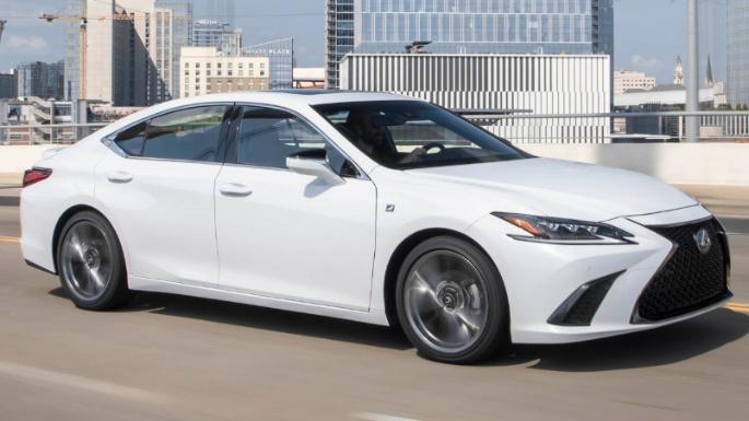 2020-lexus-es350-driving-image