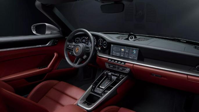 2021-porsche-911-turbo-s-int