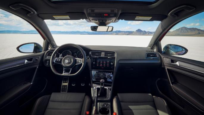 2021-volkswagen-gti-int