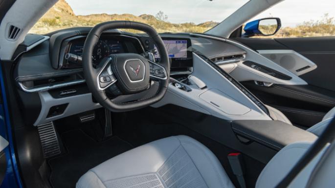 2020-chevrolet-corvette-dashboard-image