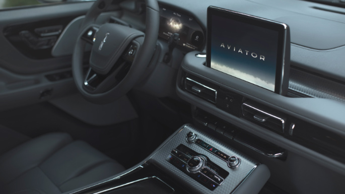 2020-lincoln-aviator-dashboard-image