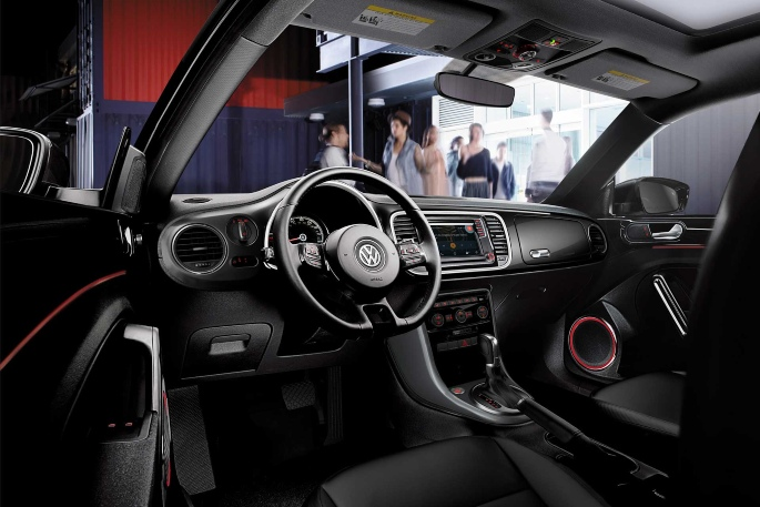 2019-vw-beetle-interior-1