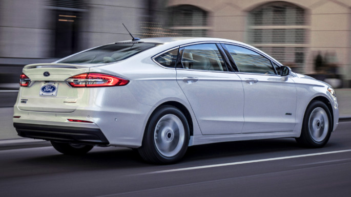 2020-ford-fusion-image-2