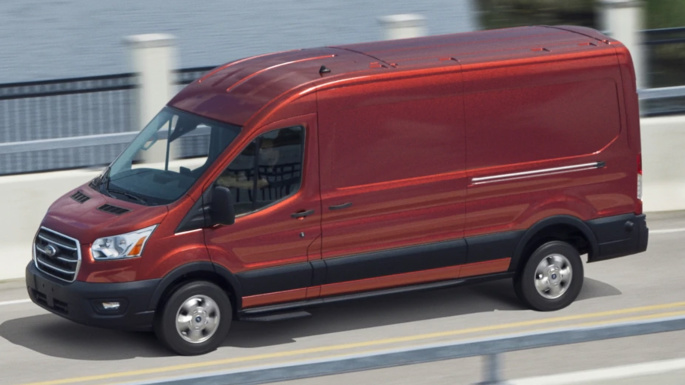 2020-ford-transit-cargo-driving-image