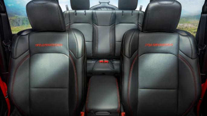 2020-jeep-wrangler-interior-image