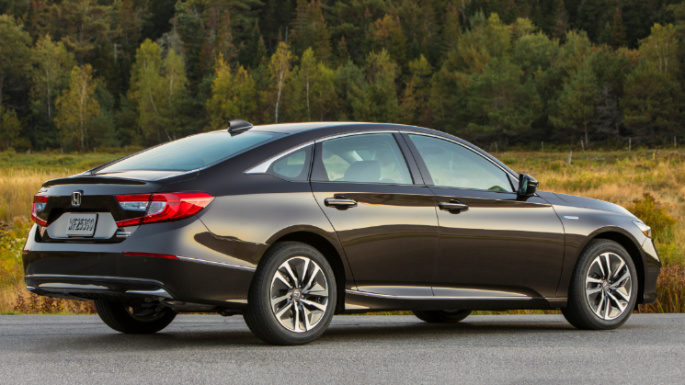 2020-honda-accord-rear-image