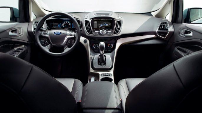 2013-ford-cmax-int