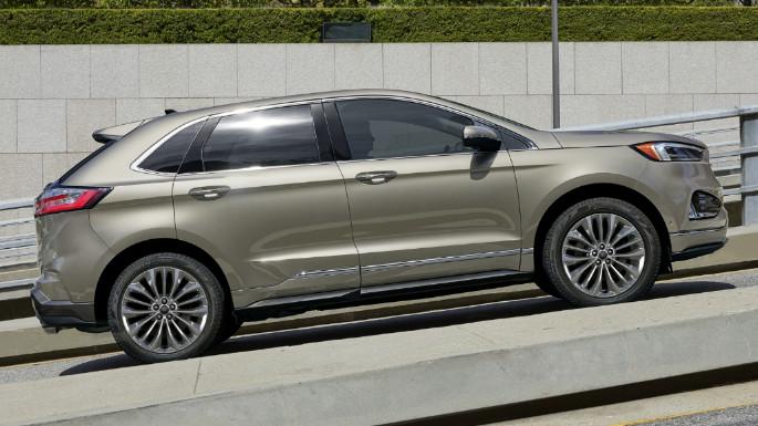 2020-ford-edge-image-3