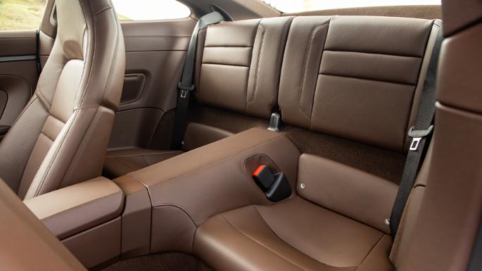 2020-porsche-911-seats2-image