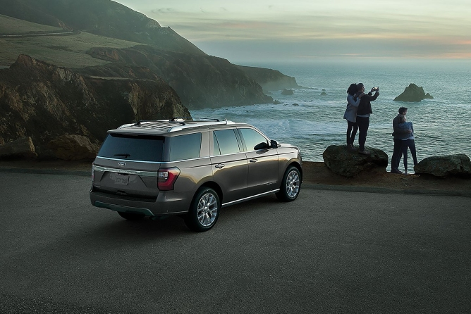 2019-ford-expedition-exterior-2