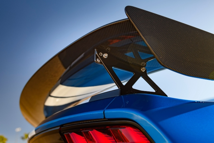 2020-ford-mustang-gt500-image-11