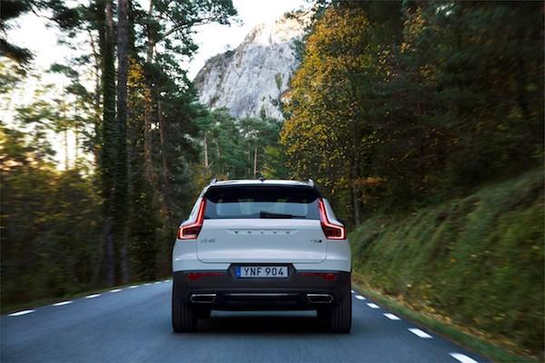 216724 New Volvo XC40 - exterior