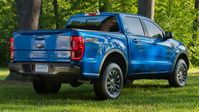 2020-ford-ranger-rear-image