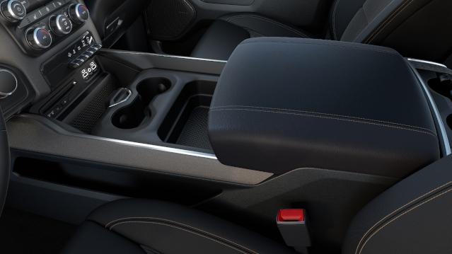 2019-ram-1500-interior2