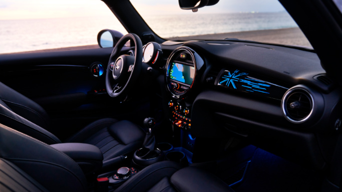 2019-mini-cooper-dashboard